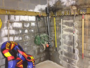 efflorescence on basement walls